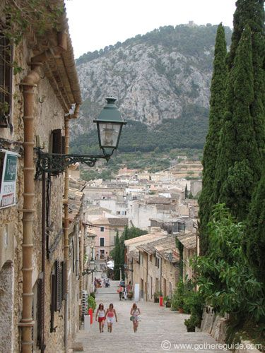 travel guide pollensa old town