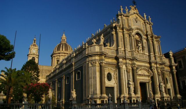 self guided walking tour palermo