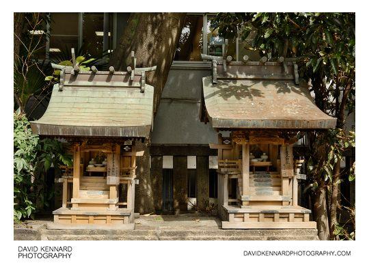 namba yasaka shrine japan guide