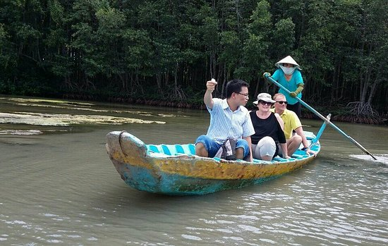 ho chi minh private tour guide