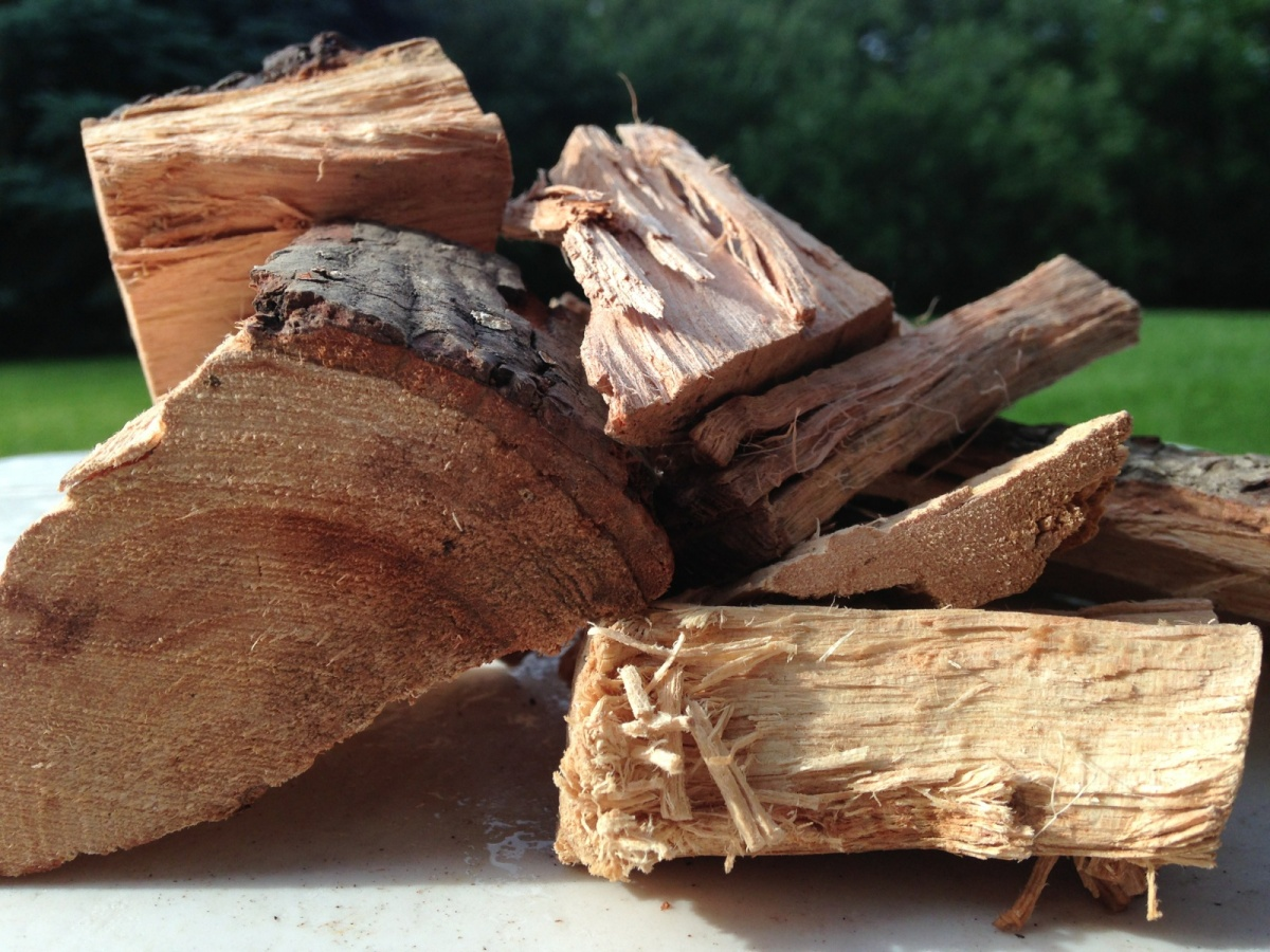 wood for smoking meat guide